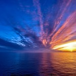 Закатное небо над морем