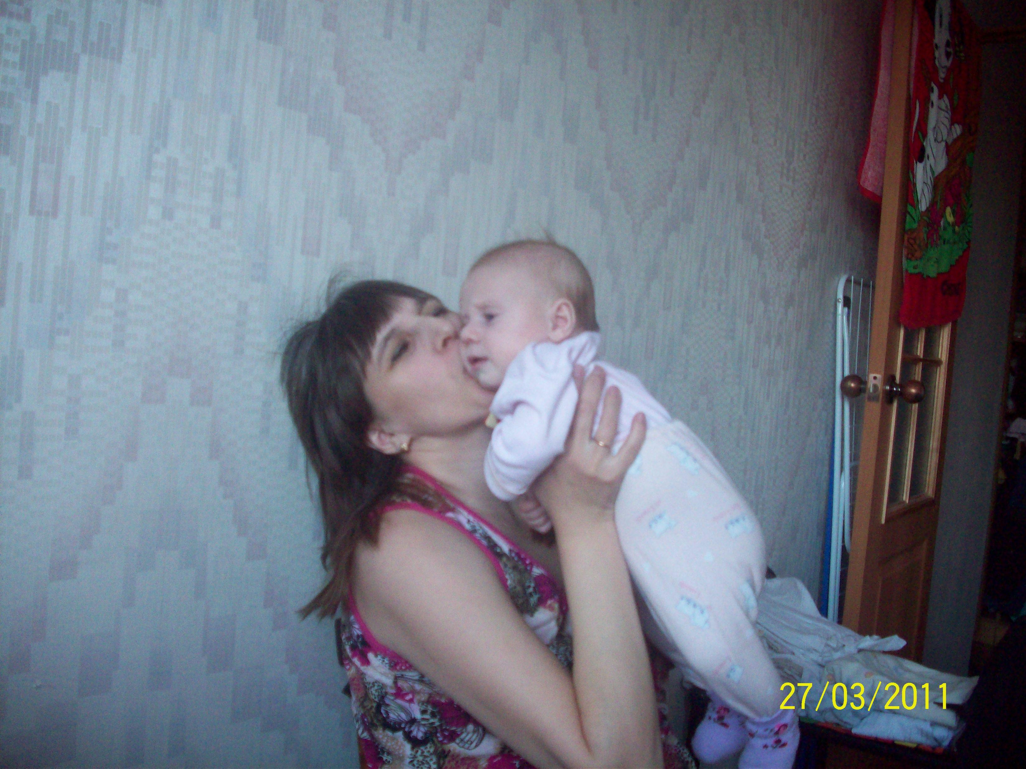 Мама с младшеньким
