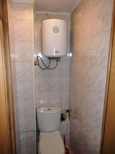 Туалет. Водонагреватель.