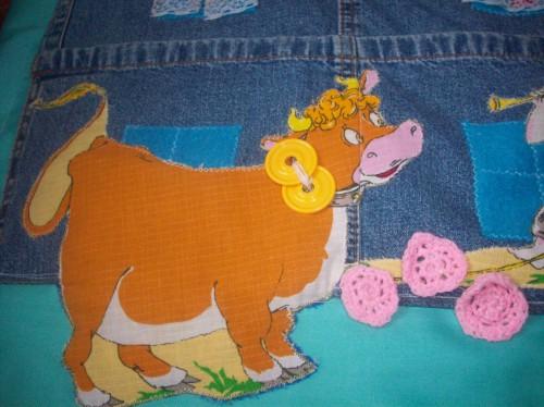 Корова с бубенчиками