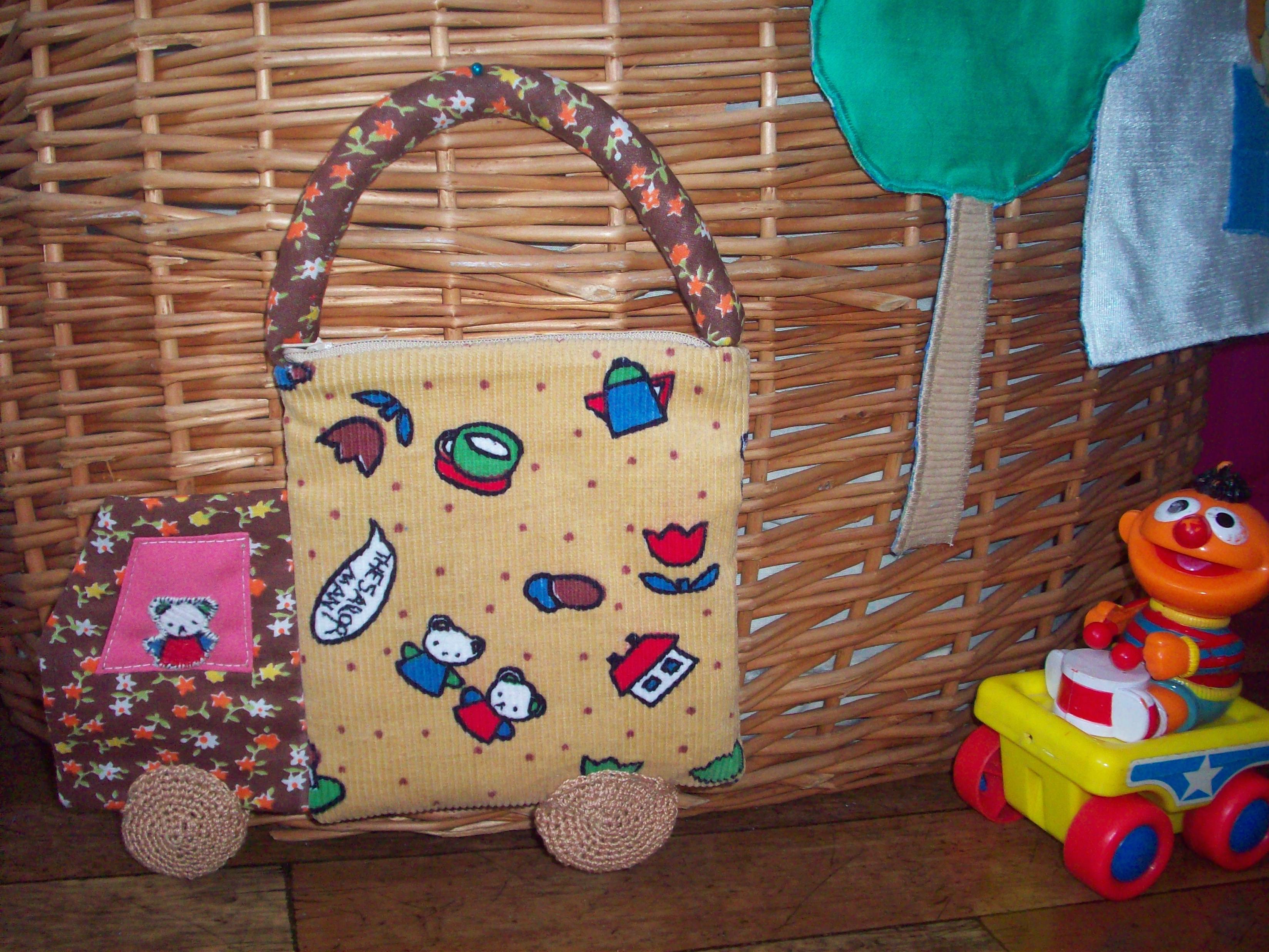 Детская сумка-машина