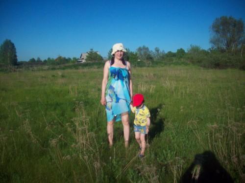 Мы с Егором идём на речку