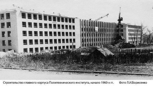 http://dom-i-uyut.ru/wp-content/uploads/2014/06/getImage-26-500x285.jpg