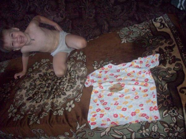 Егорка и футболка с пятном
