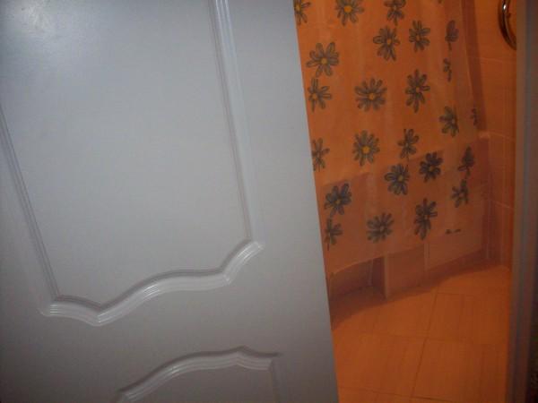 Дверь в ванну