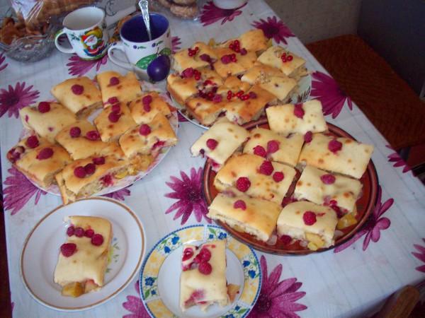 Весь пирог по тарелочкам