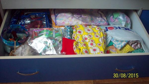 Ящики в кровати